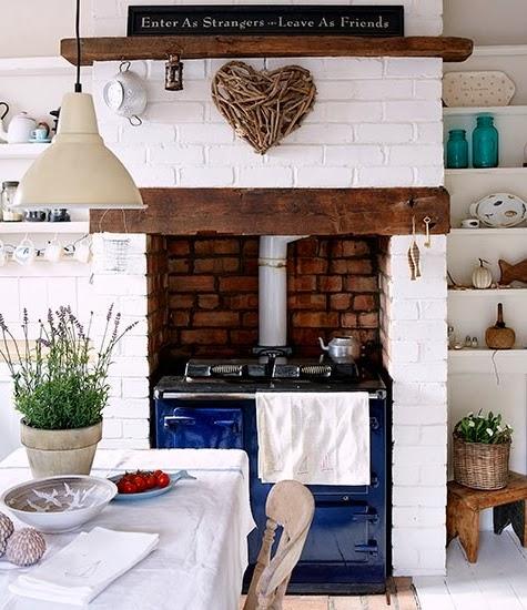 beach bungalow kitchen