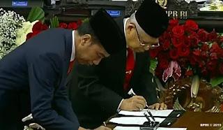 Presiden Joko Widodo dan Wakil Presiden Ma'ruf Amin Resmi di Lantik