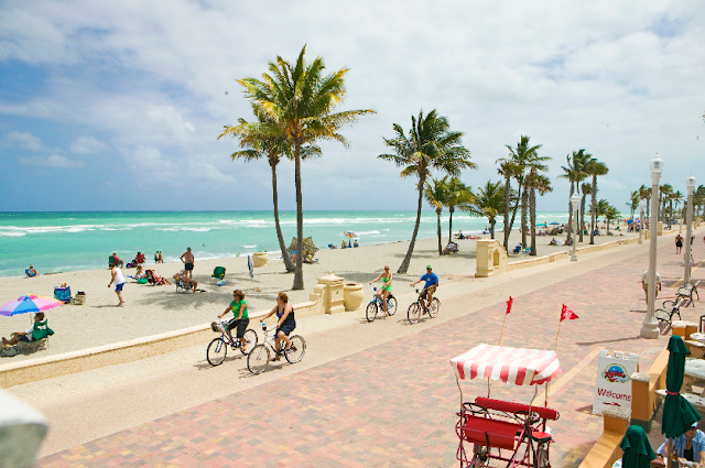 La peatonal de Hollywood Beach