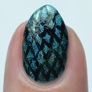 dragon nail art