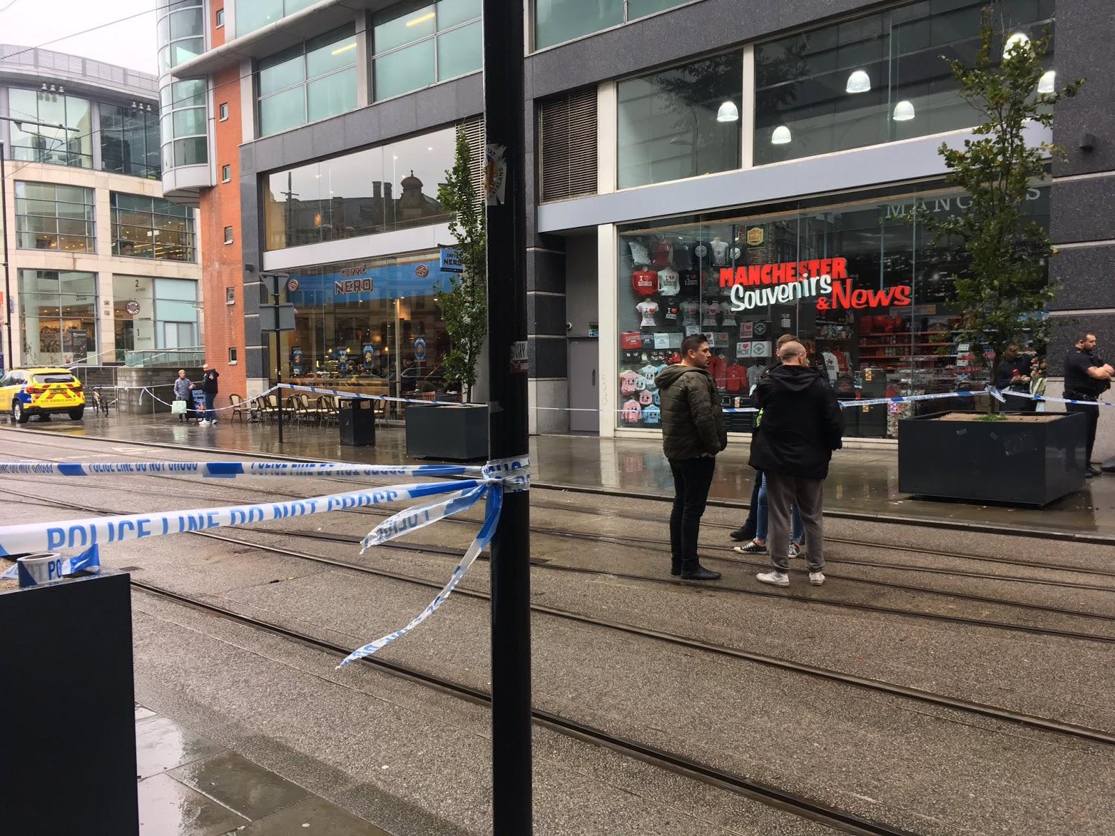 Iepirkuma centrs Mančestrā evakuēts pēc 5 cilvēku saduršanas