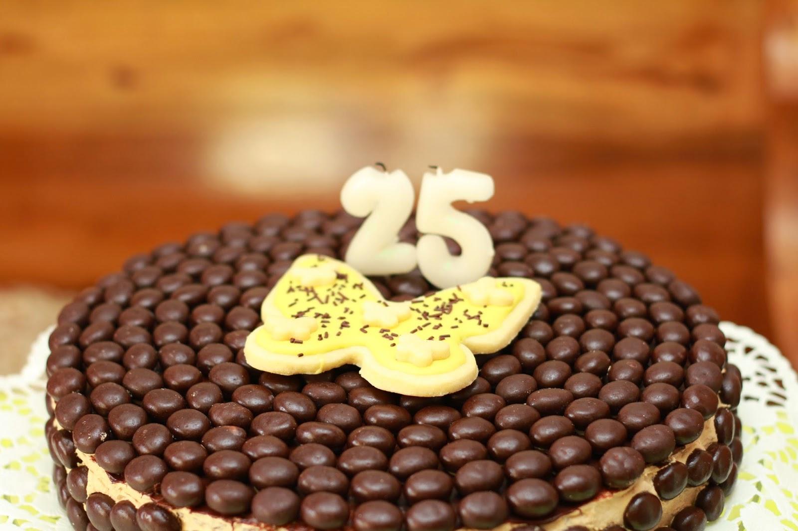 25 éves szülinapi köszöntő Ilcsi konyha: Kávékrémes torta Szülinapra 25 éves szülinapi köszöntő