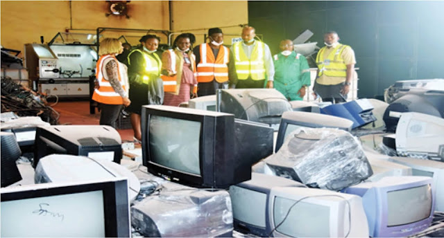 FINDING SOLUTIONS TO NIGERIA'S E-WASTE PROBLEM