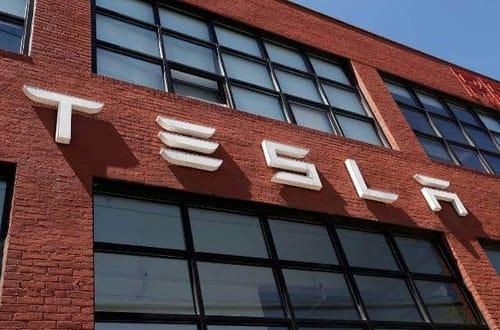 Elon Musk talks about self-driving Tesla cars