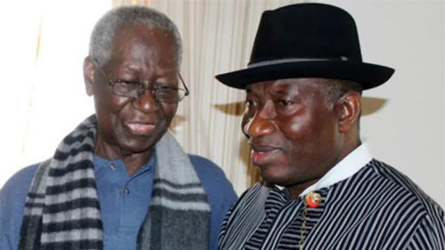 Goodluck Jonathan pays condolence visit to ex-PDP BoT chairman Tony Anenih (photo)
