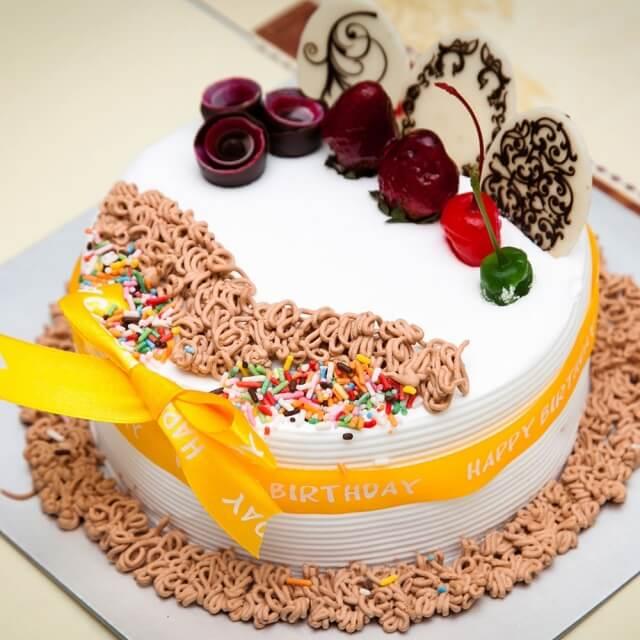 hình ảnh bánh sinh nhật đẹp dễ thương