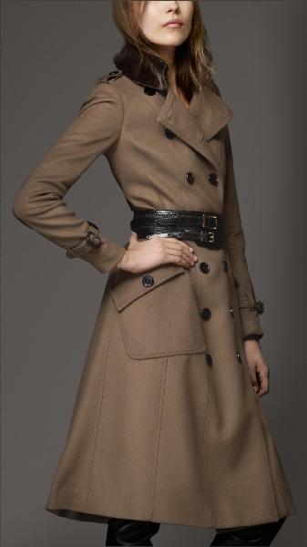 Burberry 2013 Bayan Kaban ve Manto Modelleri