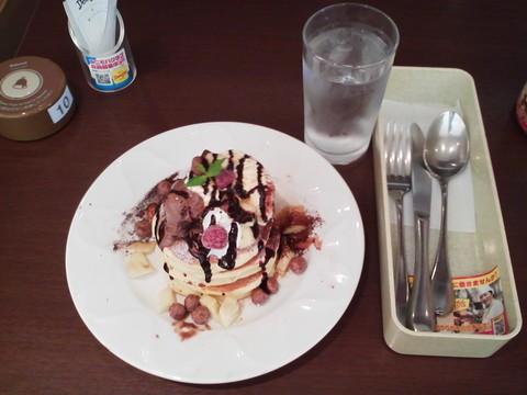 バースデーパンケーキ¥0-1 デニーズ名古屋東新町店