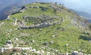 Ηλεία: Βλέπουν τα μνημεία με τα …κιάλια!