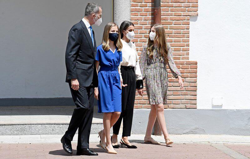 Infanta Sofia wore a new printed pleated dress from Mango, Queen Letizia wore an ecru fontana blouse from Maksu