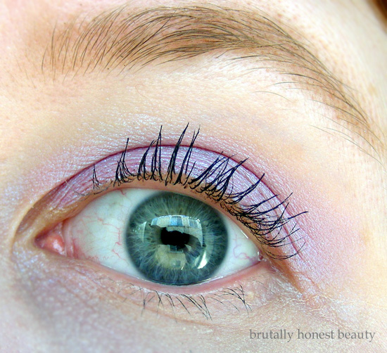 Review of L'Oréal Infallible Galaxy Lumiere Holographic Eyeshadow in Moon Kissed