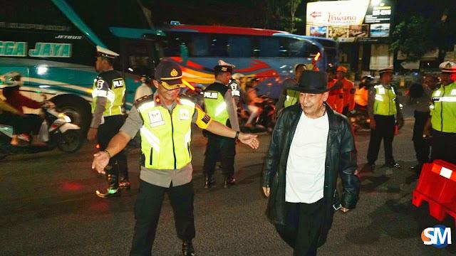 Pantau Posko Mudik, Habib Luthfi Beri Semangat Kepada Banser, TNI dan Polri