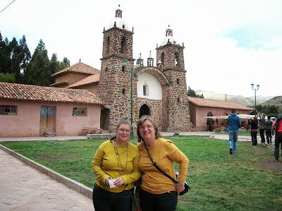 Iglesia de Raqchi, Perú, La vuelta al mundo de Asun y Ricardo, round the world, mundoporlibre.com