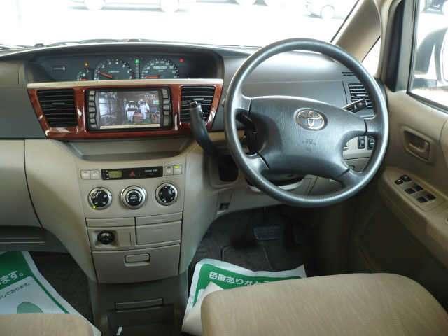 Alfa Romeo 4C >> CARZ WALLPAPERS: Toyota noah