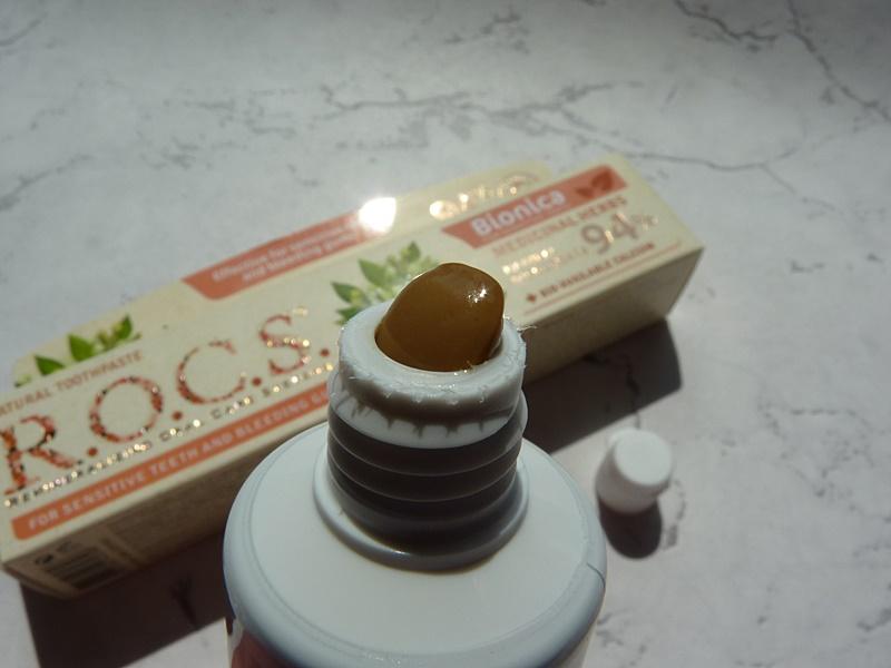 rocs ziołowa pasta do zębów wrażliwych nadwrażliwych