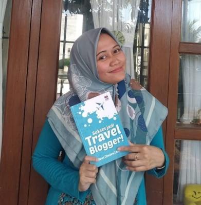 Buku Sukses Jadi Travel Blogger Dewi Rieka