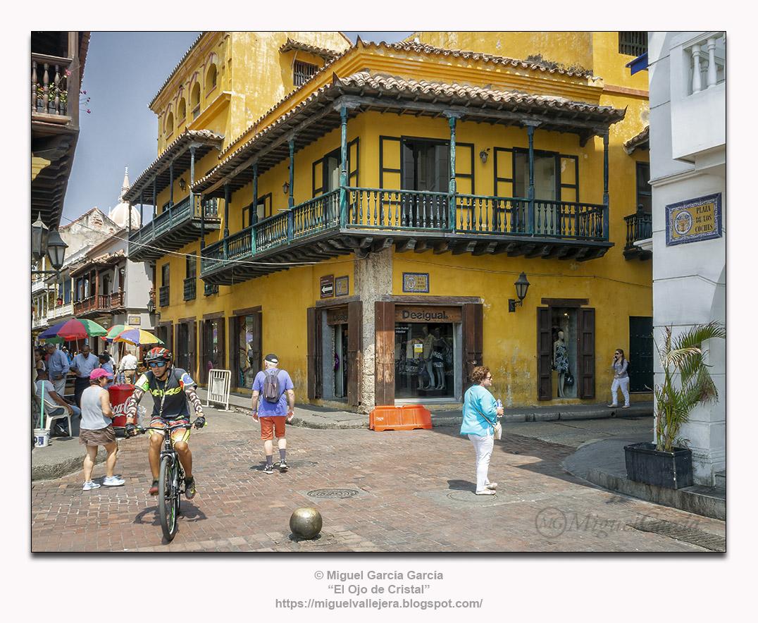Cartagena de Indias, Plaza de los Coches esquina a Calle de las Carretas