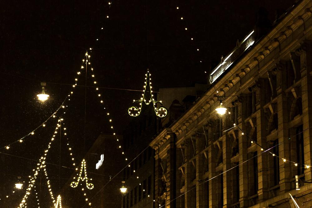 talvi, Helsinki, Suomi, Finland, experiencefinland, myhelsinki, valot, kaupunki, yö, Visualaddict, valokuvaaja, photographer, Frida Steiner, visualaddictfrida, jouluvalot, christmas, lights, citylights, city, by night, aleksanterinkatu