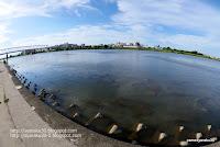 魚眼レンズで撮った多摩川の写真