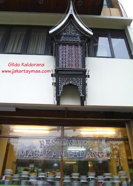 Un restaurante de Padang en Yakarta
