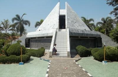Wisata Histori Monumen Rawagede di Karawang