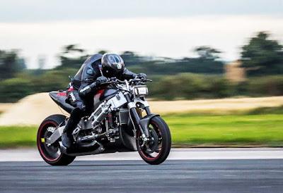 Madmax Streetfighter motor Tercepat di dunia bermesin heli