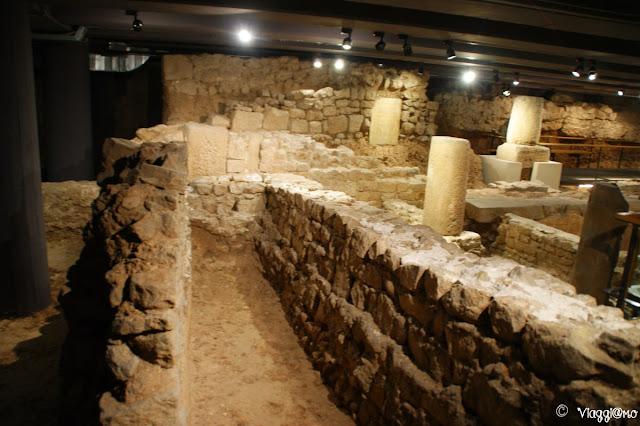 Sotterranei e domus romana nel Barrì Gotic
