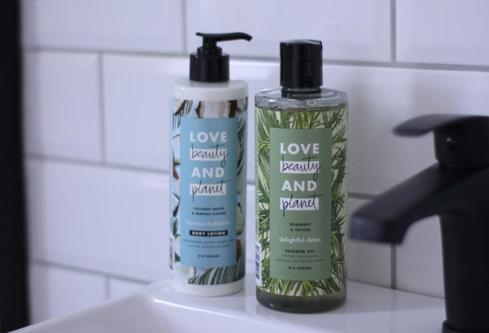 Love Beauty and Planet douchegel en body lotion.