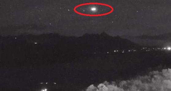 UFO e vërtetë e kapur në video në SHBA?
