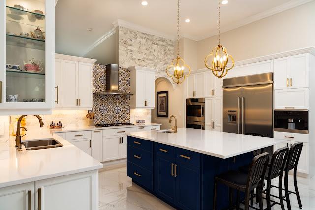 cozinha decorada com ilha