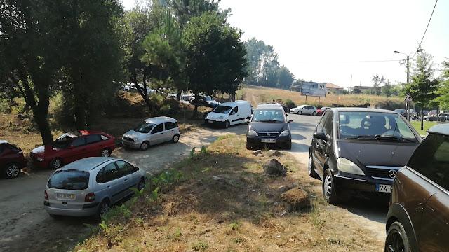 Acesso ao parque de estacionamento