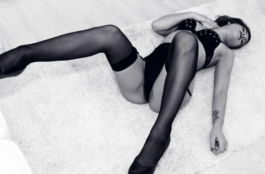 AstridZenye Model GlamourCams