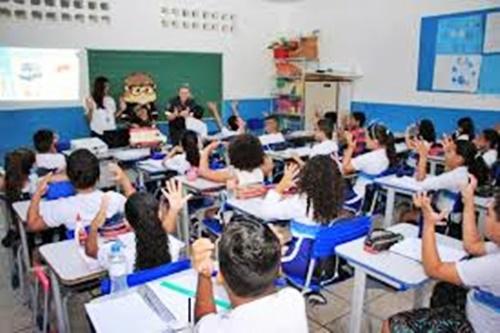 Transferência de alunos para rede municipal aberta até o dia 30