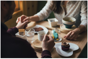 Ide Seru Untuk Rayakan Hari Jadi Bersama Pasangan