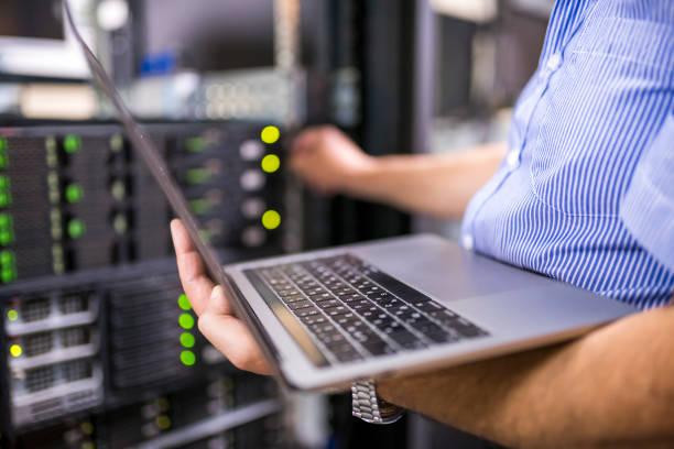 Penerapan jaringan edge computing dari Schneider Electric pada sistem data center