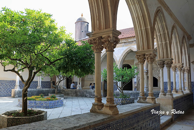 Claustro do Cemitério del Monasterio de Tomar