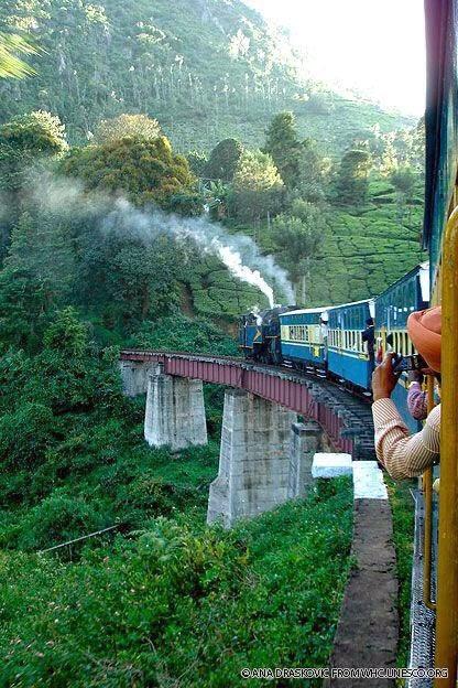 10 Best Backpacking Destinations in India | Darjeeling Himalayan Railway