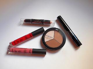 Secrets Of Contouring y Fluid Velvet Matt Lipstick de Deborah Milano: ¡Al bolso!