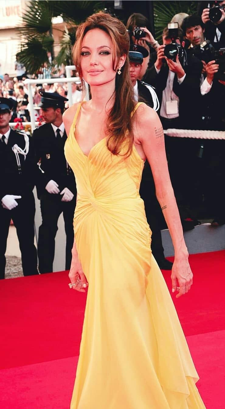 Angelina Jolie Hot Photo Gallery