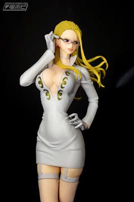 Materia Carifa × Glitter & Glamours White and Black dress de One Piece