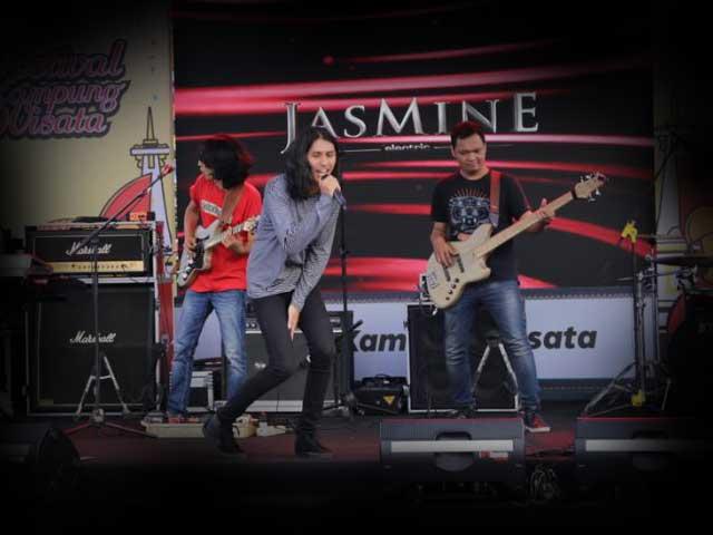 Jasmine Elektrik on Festival Kampung Wisata