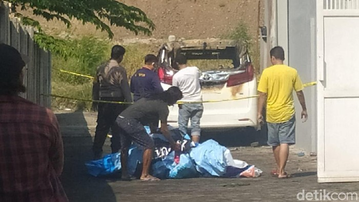 Seorang Jenglot Ditemukan di Tas Milik Pembakar Mobil Via Vallen