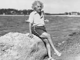 من ذاكرة التاريخ اينشتاين ومقارنة بين الغرب والعرب