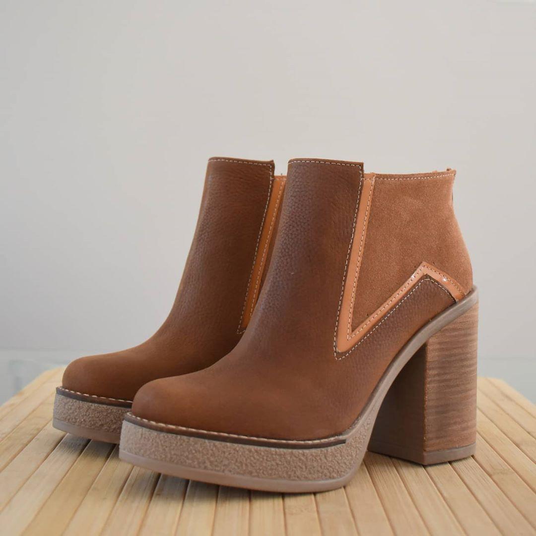 Moda invierno 2020 calzado femenino botas de mujer moda invierno 2020.