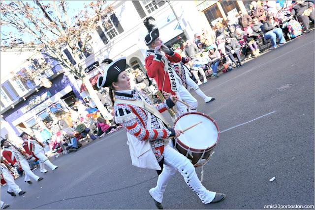 1st Regiment of Foote en el Desfile de Acción de Gracias de Plymouth