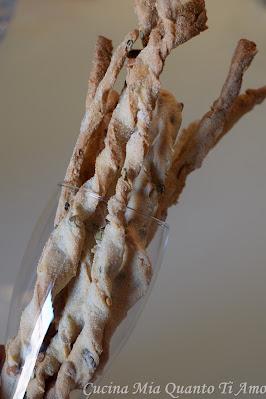 Grissini ai semi con lievito madre