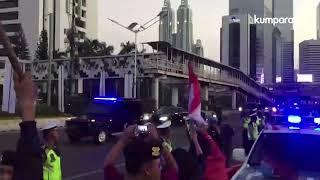 Relawan Antusias Tunggu di Patung Kuda, Jokowi Hanya Lambaikan Tangan