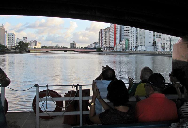 Passeio de barco Recife e suas pontes