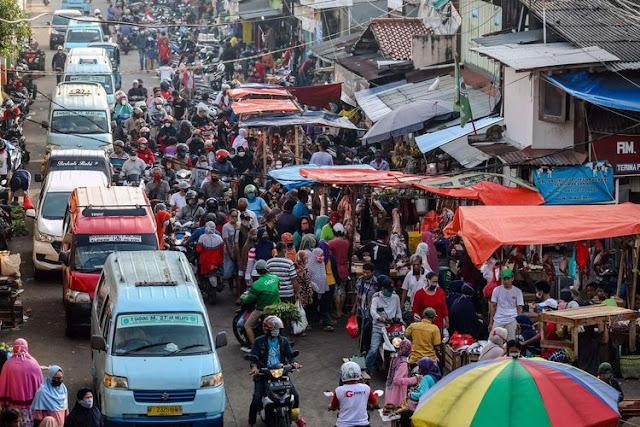 CEMARABET - Mulai 6 Juli 2020, 5 Ribu ASN di Jakarta Awasi Protokol Kesehatan di 151 Pasar