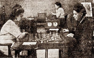 3ª ronda del IX Campeonato femenino de ajedrez de Cataluña 1946, partida Glòria Velat - Sofía Ruiz